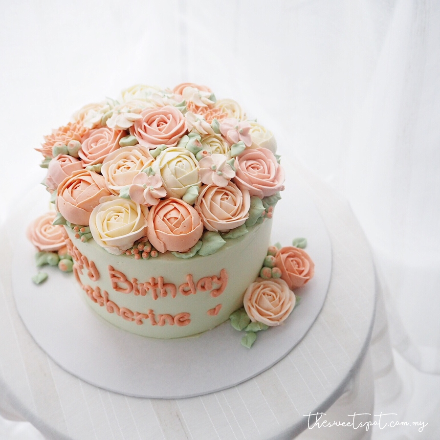 "6"" Full Buttercream Flowers"