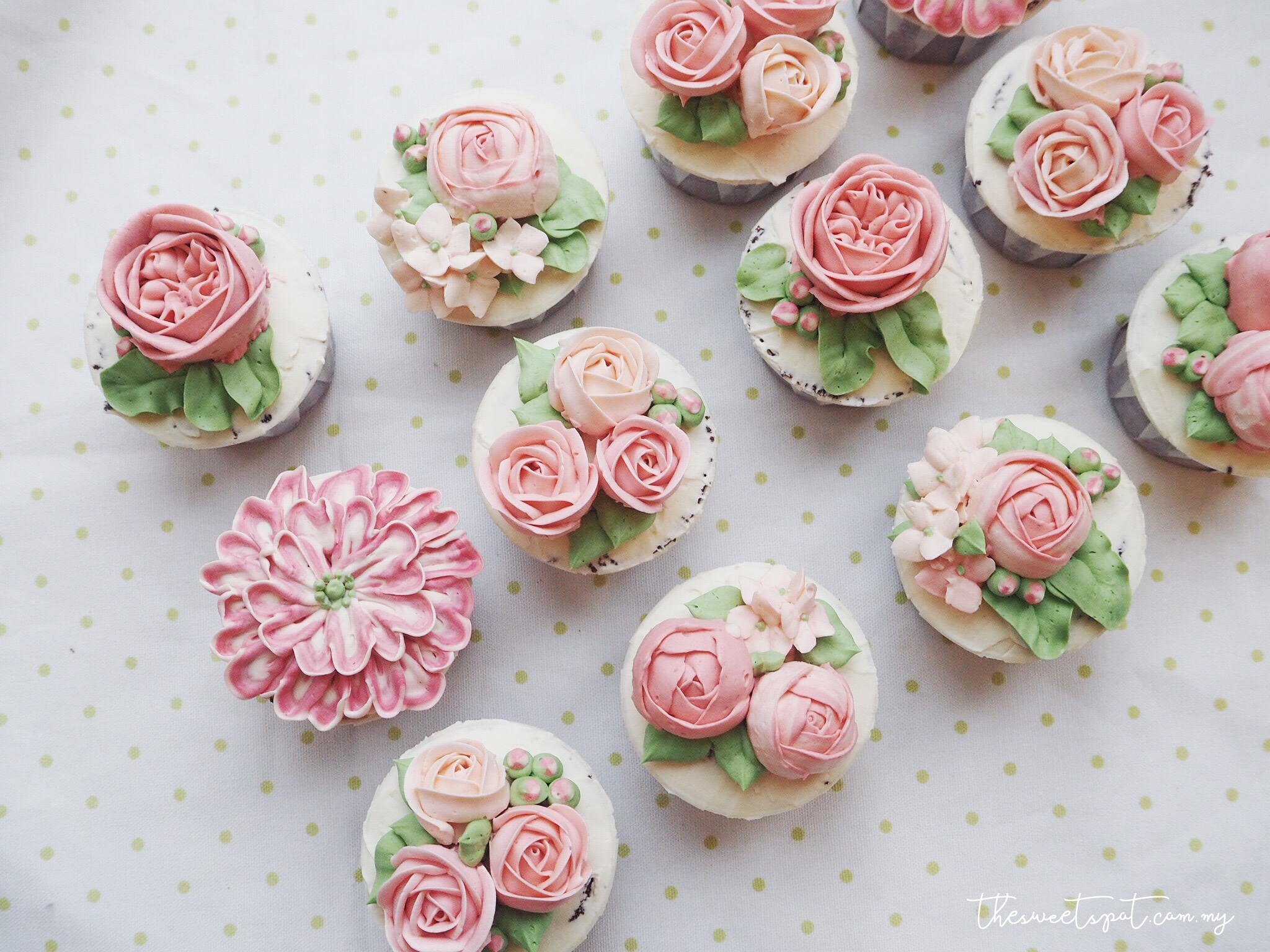 Bespoke Buttercream Flower Cakes – The Sweet Spot