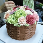 buttercream flower in basket weave