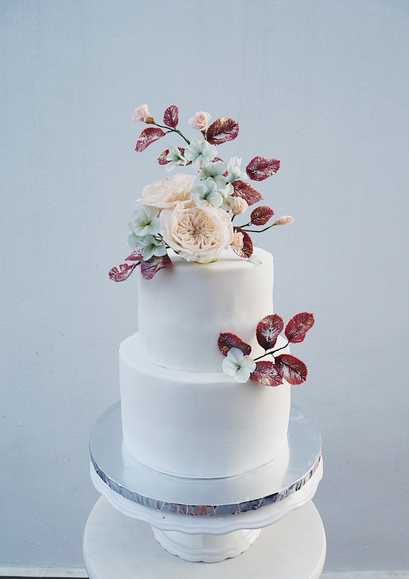 2 tier david austin and hydrangeas