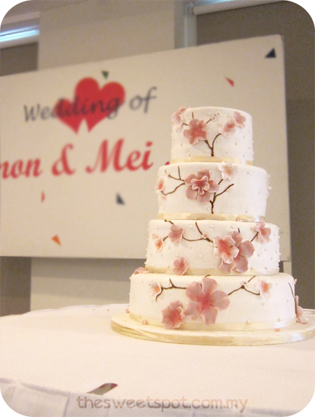 4-tier-blossom-wedding-cake