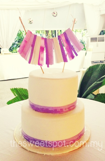 purple-ribbon-simple-wedding-cake-thesweetspot