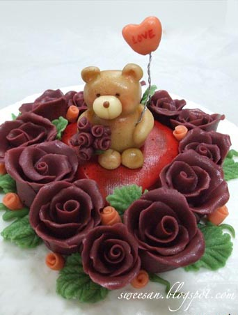 Teddy and roses
