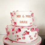 2-tier-cherry-blossom-white