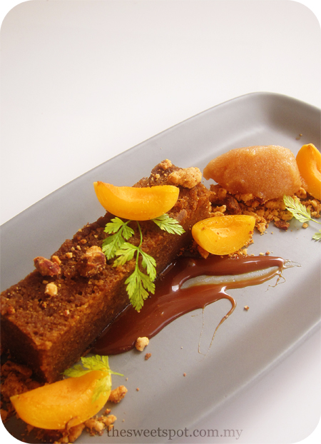 Autumn, a melody of pear, ginger and apricots – The Sweet Spot