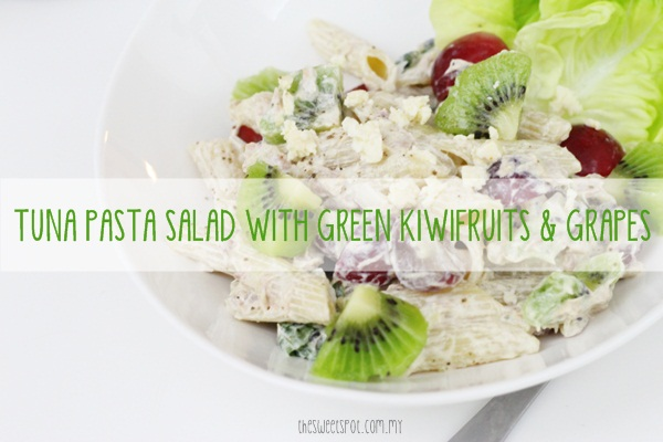 Tuna pasta salad with green kiwi and grapes