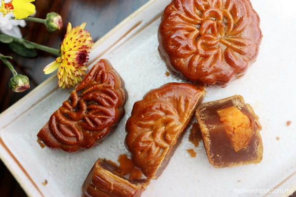 Kee Wah Mini Mooncake Lotus and Red Bean