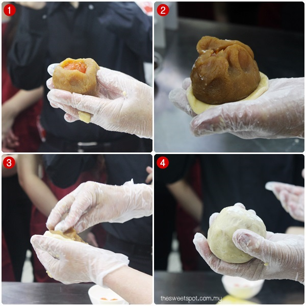 kee wah wrapping traditional mooncake