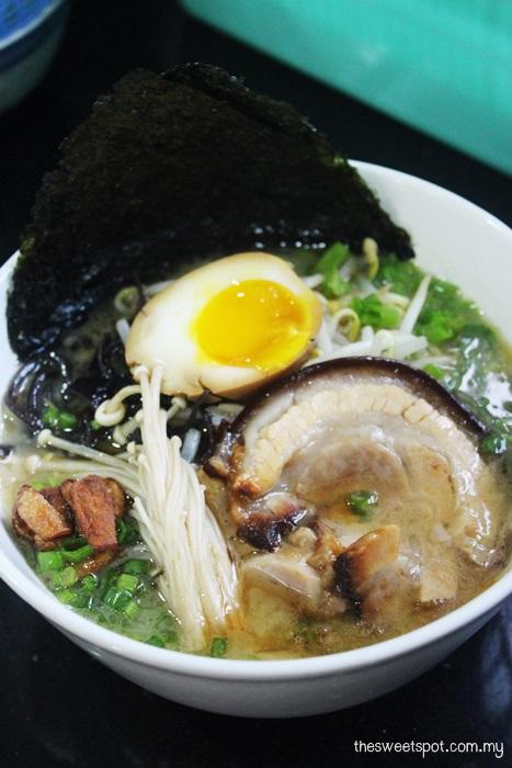 Full tonkotsu ramen with chashu ajitsuke tamago mayu