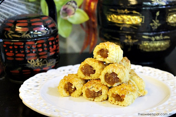 Chinese New Year Baking : Pineapple Tarts (Nastar Rolls)