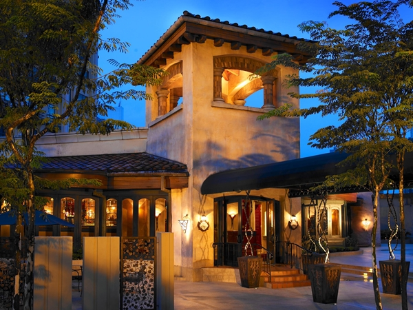 Villa Danieli free-standing trattoria styled restaurant
