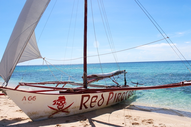 Red Pirates Paraw