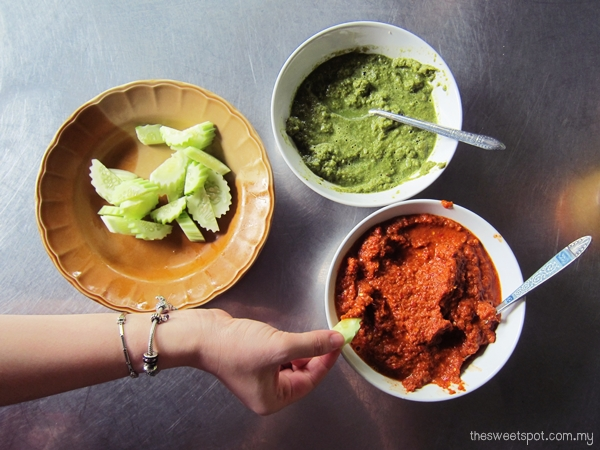 thai green red curry paste