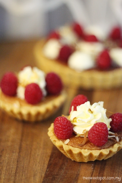 raspbery almond tartlet
