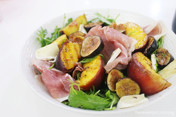 peach fig parma ham salad