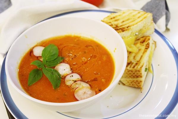 fresh tomato soup cheese