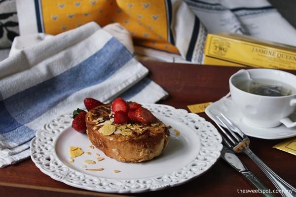 stuffed french toast strawberries