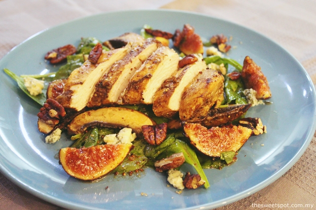 Balsamic Chicken Salad with Figs, Portobello and Candied Pecans