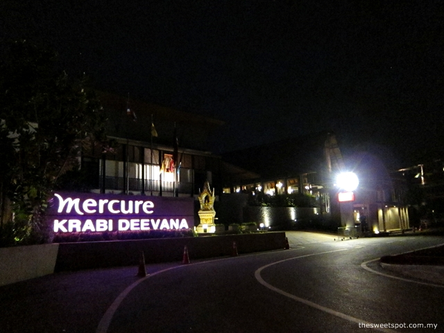 mercure krabi deevana entrance