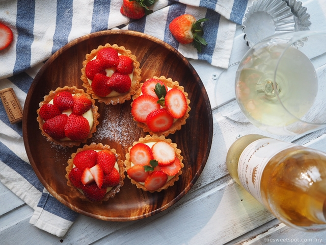 Strawberry Tarts & Chateau Les Arroucats