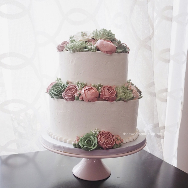 2 tier buttercream flower wedding
