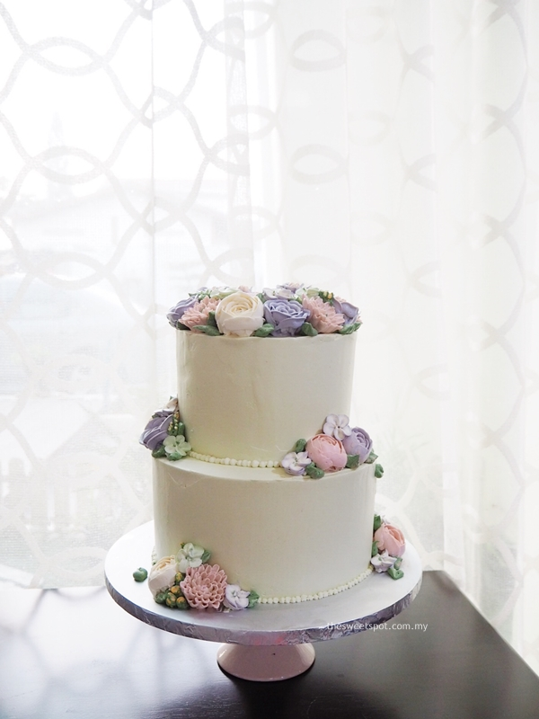 2 tier buttercream flower wedding cake