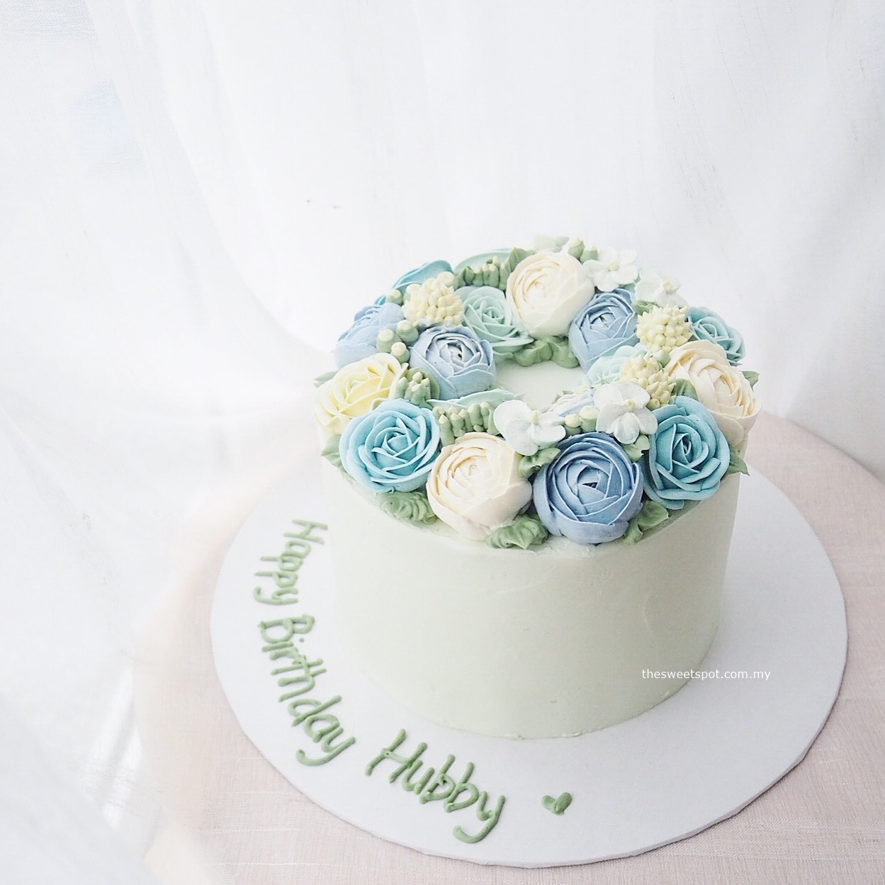 "6"" Bespoke buttercream flower cake"