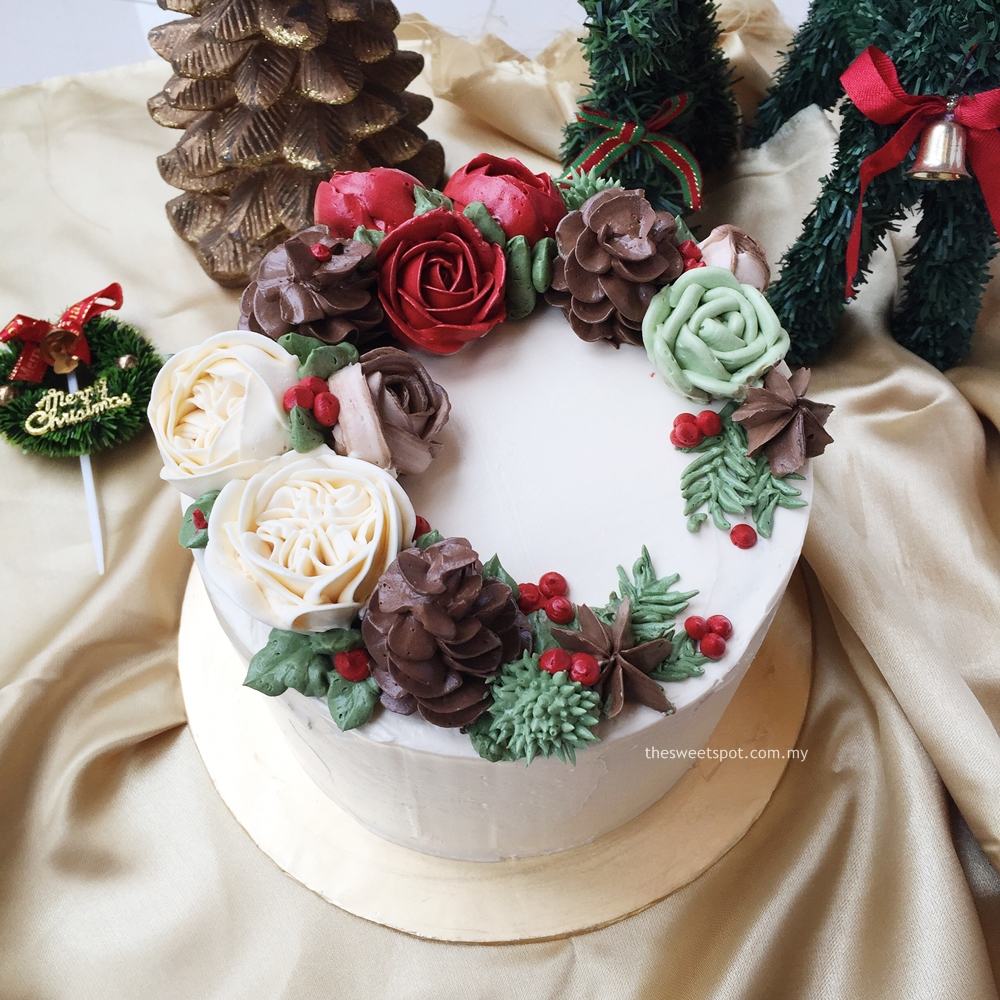 Christmas theme buttercream flower cake