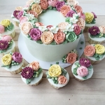"""8"""" buttercream flower wreath and cupcakes"""