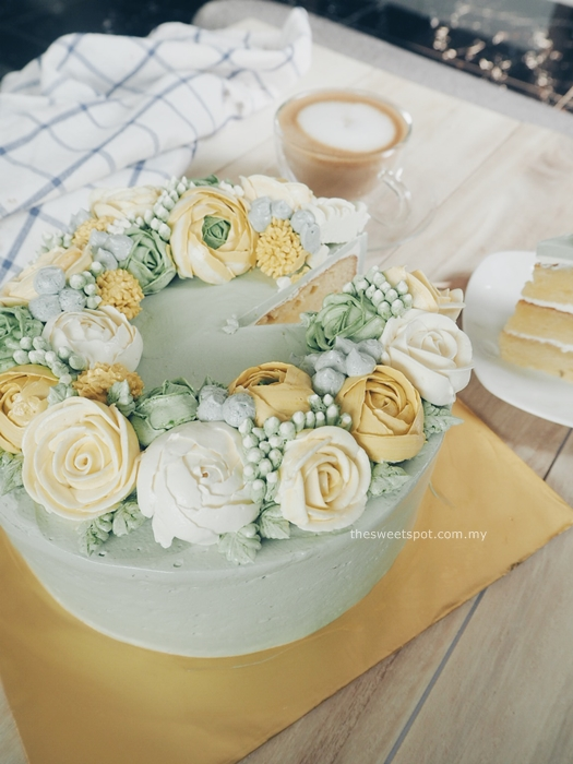 winter soiree buttercream flower cakes