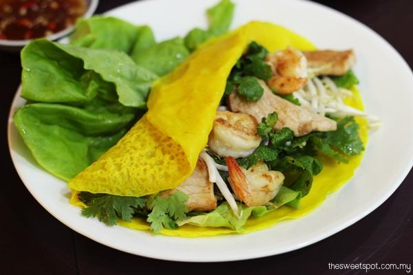 AFF Indochina: Banh Xeo (Vietnamese Crispy Pancakes)