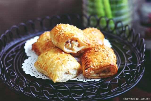 Chicken Sausage Roll with Grated Apples